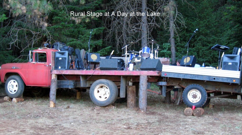 Hook Jaw Brown's Rural Stage